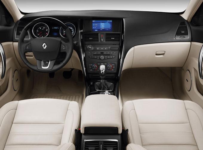 Renault заманивает автолюбителей такими модными фишками, как водительское кресло с массажером и панорамная крыша, картинка, фото, изображение