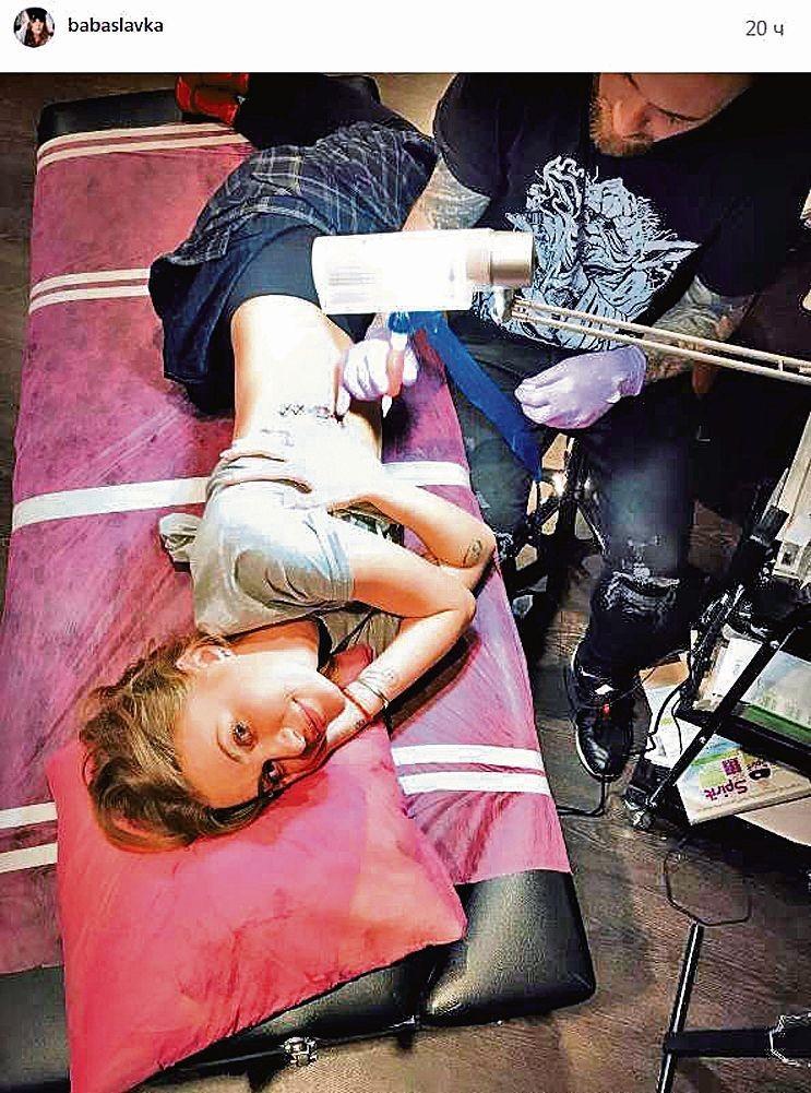 Звездные тату: Потап увековечил на руке Настю, а Мария Яремчук решила защититься от злых духов, картинка, фото, изображение