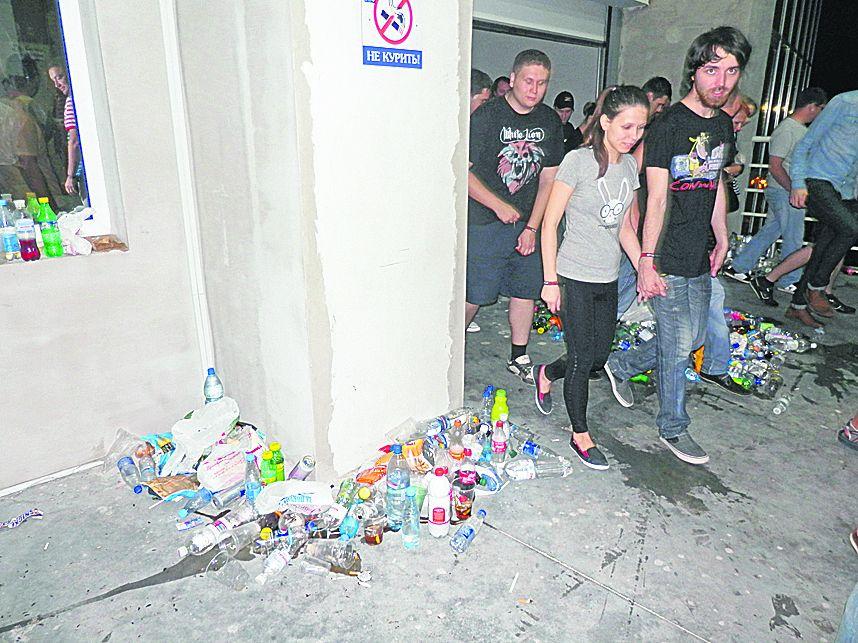 Linkin Park в Одессе: девушки падали в обморок, а музыканты поздравили Украину с победой над шведами (Фото, видео), картинка, фото, изображение