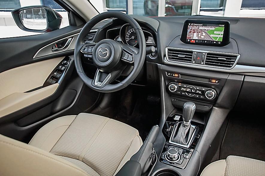 Сравнительный тест Mazda3 и Toyota Corolla. Разум и чувства, картинка, фото, изображение