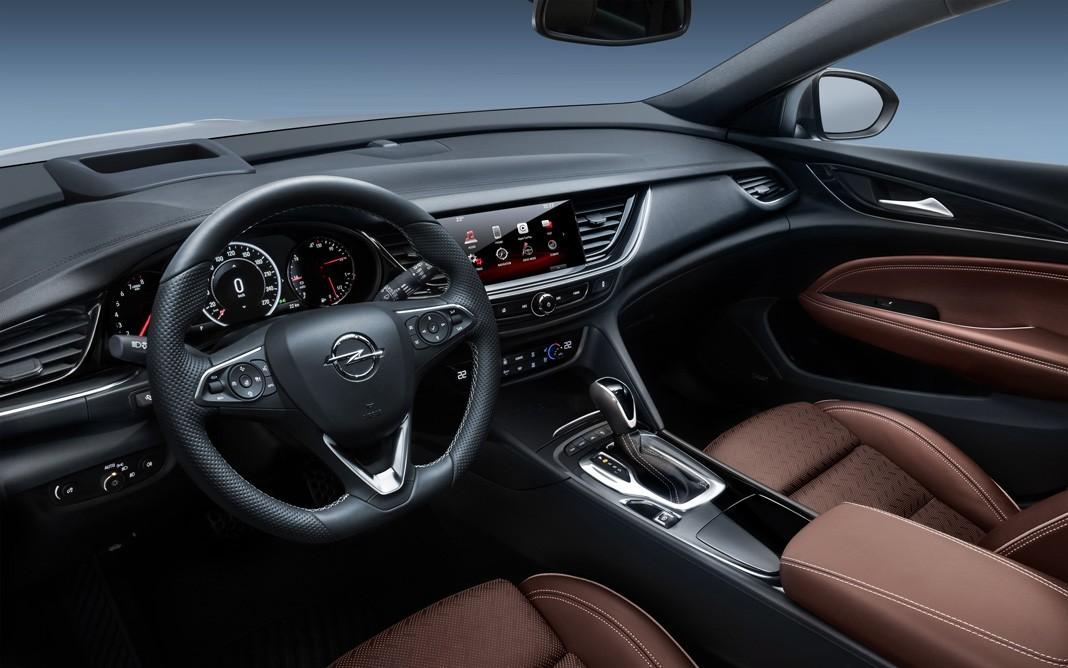 Тест-драйв Opel Insignia 2017. Флагман больших надежд, картинка, фото, изображение