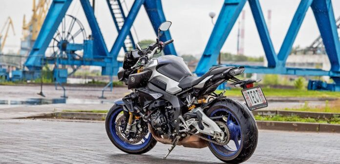 Тест-драйв Yamaha MT-10 SP