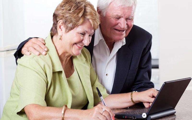 Где искать работу пенсионерам?